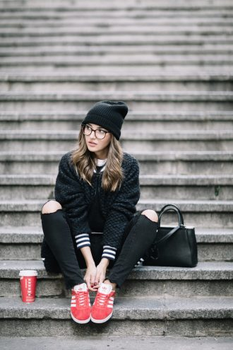 COMFY OUTFIT + HOT CHOCOLATE